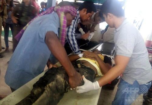 切れた電線で9人感電死、警察の威嚇発砲が原因か インド