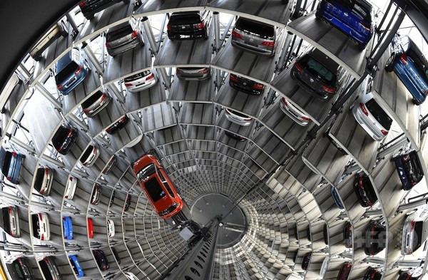 VW、排ガス不正ソフト搭載の商用車は180万台