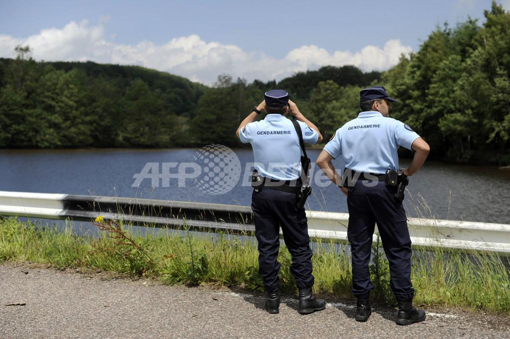 ワニの目撃情報、村をあげての捕獲作戦開始 フランス