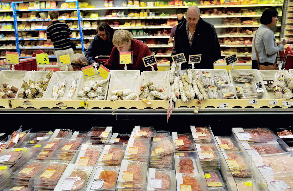 仏、大手スーパーに食品廃棄を禁止 寄付か転用義務付ける