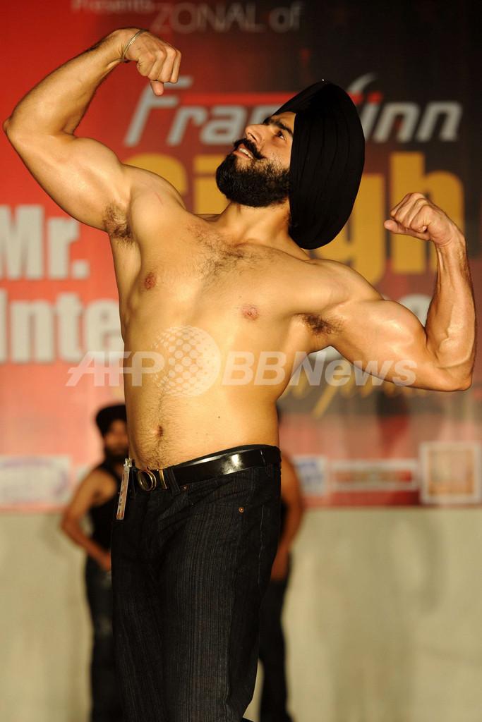 ターバン男性のファッションショー、インドで「ミスターシン」大会