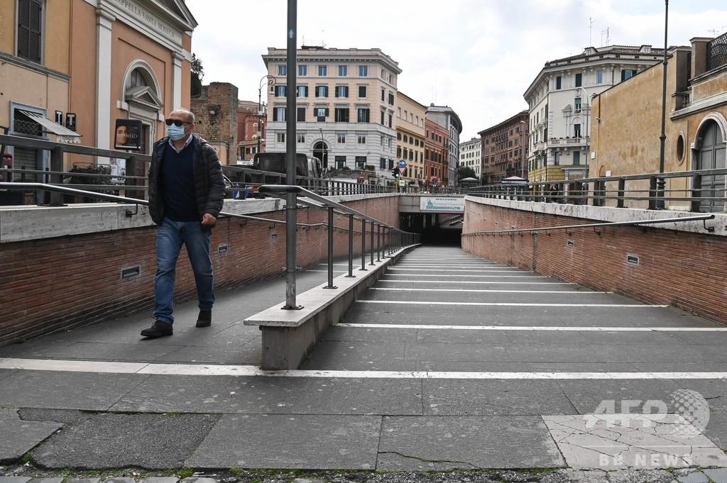 イタリア、新型コロナで新たに368人死亡 州知事は病床不足を警告