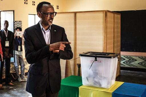 ルワンダ大統領選、現職のカガメ氏 得票率98%で3選確実