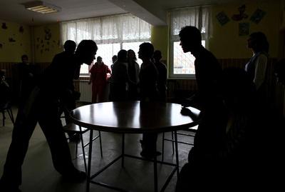 児童養護施設で340人死亡か ルーマニア、1980年代に