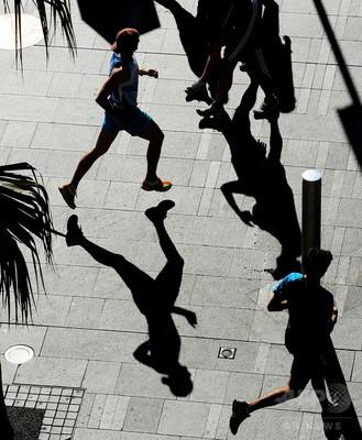 週末だけ運動、健康効果は毎日運動と同等か 研究