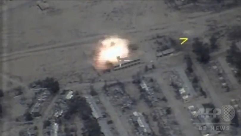シリアのISを標的、ロシアの軍艦と潜水艦が巡航ミサイル発射