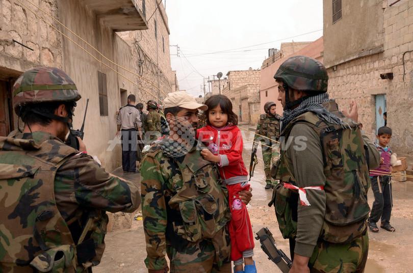 シリア反体制派、統一組織発足で合意 代表に穏健派聖職者