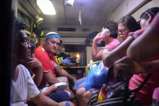 ココナツ酒飲み8人死亡、数百人が病院へ搬送 フィリピン