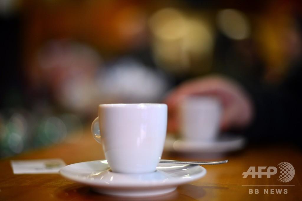 コーヒーやビール、愛飲の理由は味でなく「気分の高揚」 米研究