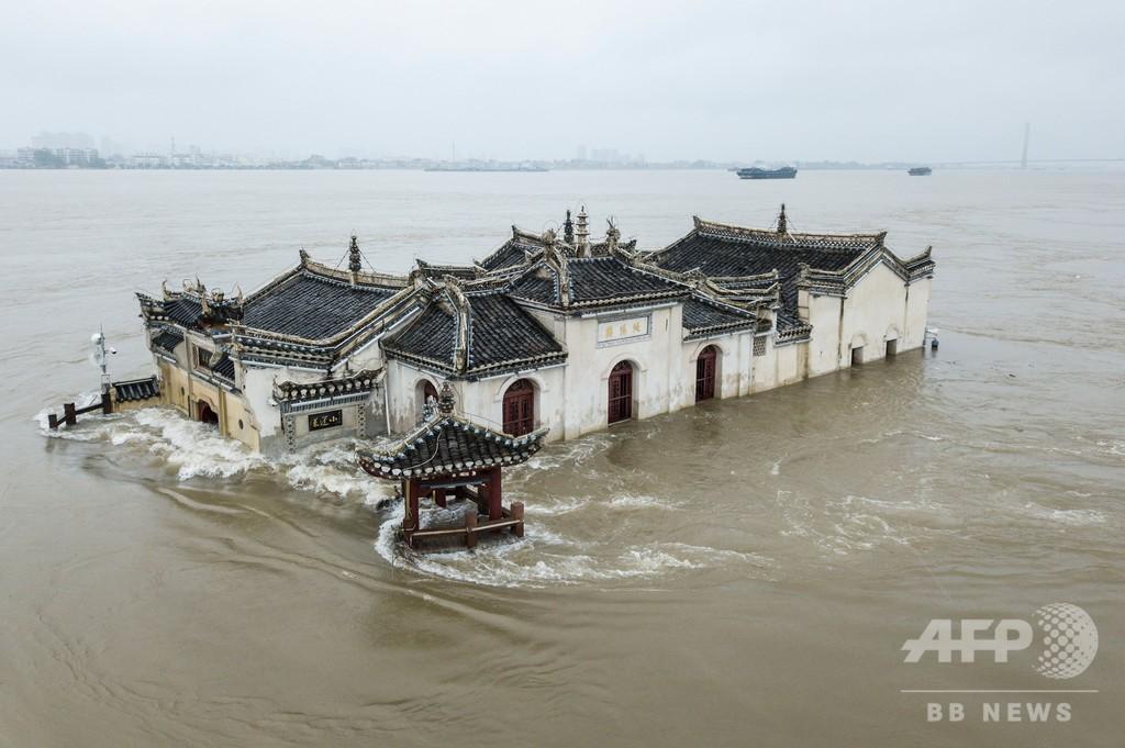 長江支流の堤防を爆破、洪水リスクの緩和で 中国・安徽省