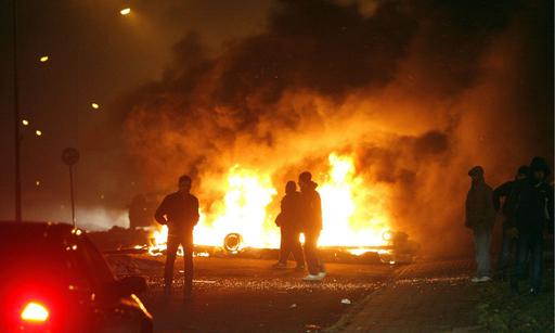 スウェーデンでも若者の暴動、2夜連続