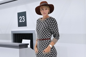 シャラポワ、仏パリで開催中のファッションウイークに登場