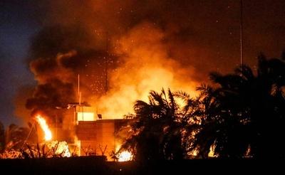 イラクのデモ隊がイラン領事館に放火 議会は緊急会議招集
