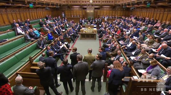 英下院、EU離脱代替案をすべて否決