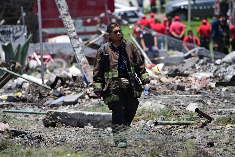 メキシコで花火倉庫爆発、救助要員含む24人死亡、49人負傷