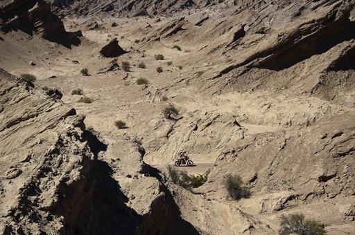 5歳男児が砂漠で迷子、24時間後に無事発見 アルゼンチン