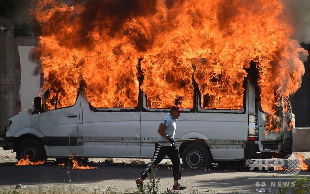 キルギス治安部隊が前大統領拘束