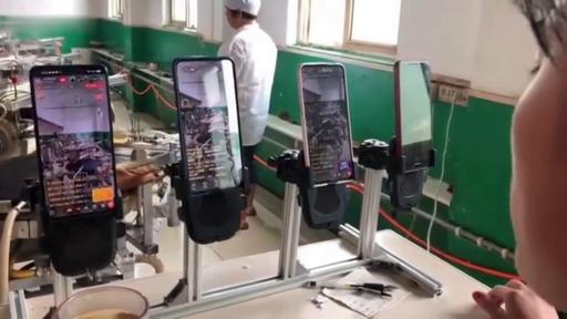 動画:思わず見入る…全自動で生産、中国式クレープ「煎餅」