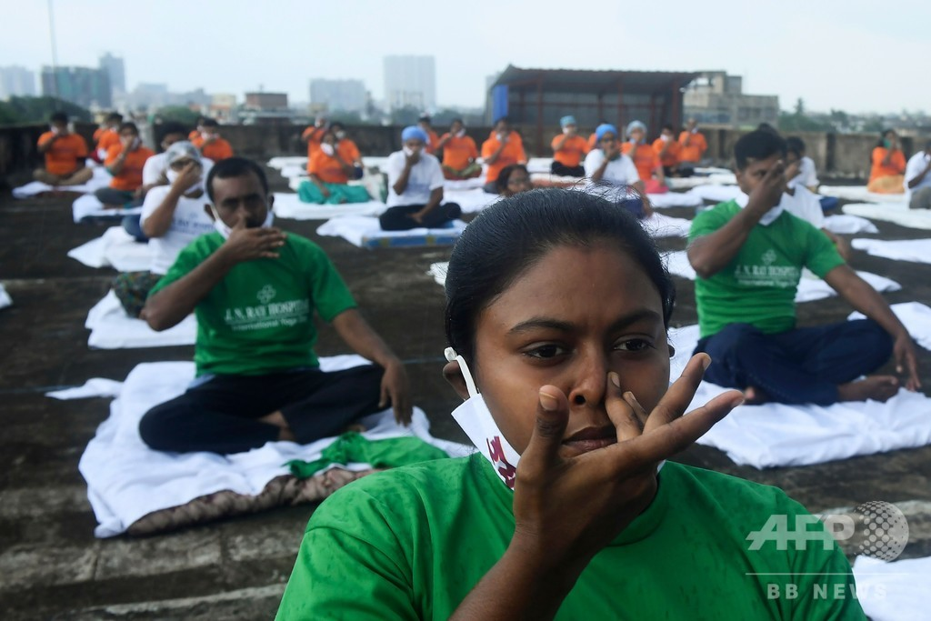 「国際ヨガの日」 コロナ禍のインド、行事は小規模