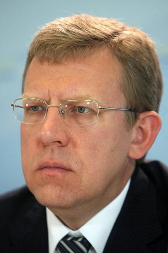 ロシア内閣改造、クドリン財務相が副首相も兼任へ