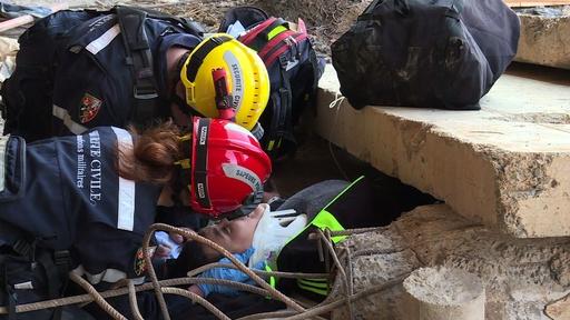 動画:マグニチュード7の地震想定、7か国合同で災害訓練 アルジェリア