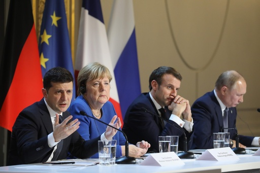 ロシア・ウクライナ首脳会談、緊張緩和に一定の成果 首脳間で評価分かれる
