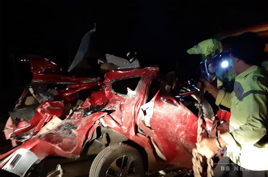 長距離バスの乗客がハンドル奪う、多重事故で12人死亡 43人負傷