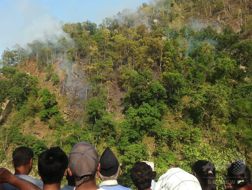 ネパールで地震救援ヘリ墜落、4人死亡