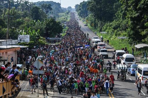 ホンジュラス移民の米入国、「全力」で阻止 トランプ氏警告