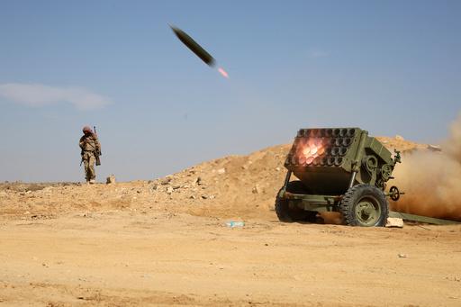イエメンでミサイル攻撃、暫定政府側の兵士70人死亡