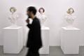 マリー・アントワネットを整形すると? パリで展覧会