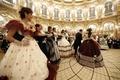 19世紀の舞踏会を再