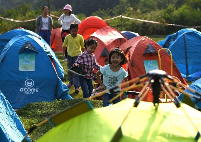 中国・国慶節の連休、野外キャンプ楽しむ