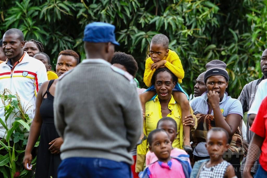92歳のムガベ大統領、2018年の大統領選出馬へ ジンバブエ
