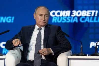 プーチン氏、ウクライナ艦船拿捕の正当性主張