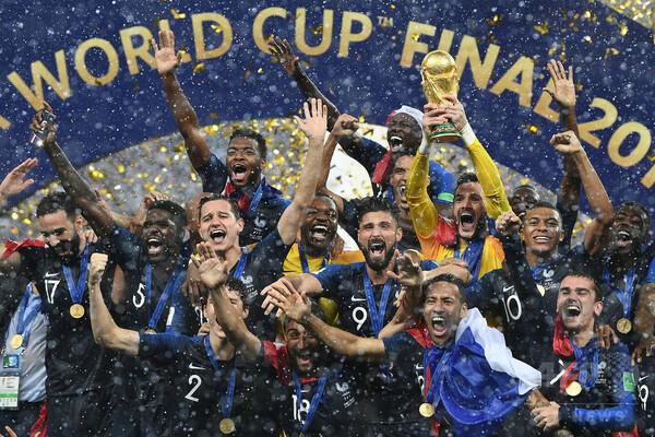 サッカーW杯「真の勝者はアフリカ」、米司会者のジョークが深刻な議論に