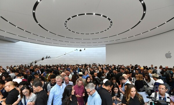 アップル、競合ひしめくゲーム市場に巨額の先行投資