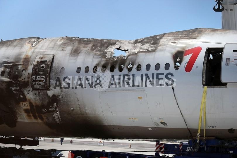 事故報道で米運輸当局とTV局が大失態、アシアナ航空は法的措置検討