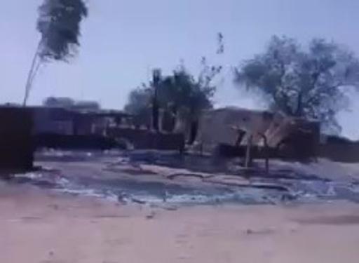 動画:西アフリカ・マリで武装集団が村襲い95人死亡、「村1つが事実上消滅」 現場の映像
