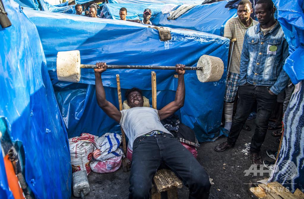 【今日の1枚】先が見えない難民キャンプ暮らし、財産は体力