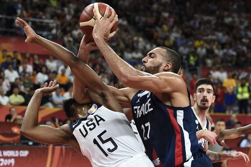 米国が4強逃す、国際大会での連勝記録も途絶える バスケW杯