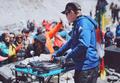 エベレストでDJパーティー、酸素薄くても「フロア」は熱狂