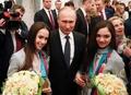IOC、ロシアの資格停止解除 プーチン大統領はメダリスト称賛