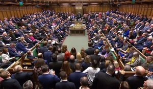 英議会、EU離脱案を否決 メイ政権、歴史的敗北喫す