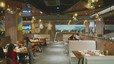 動画:京東による「X未来レストラン」開店 ロボット調理で40品提供