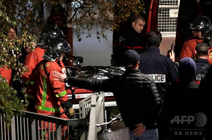 パリ中心部にトラ出没、サーカスから逃げ出す 飼い主が射殺