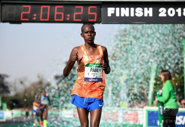 男女ともにケニア勢が優勝、パリ・マラソン