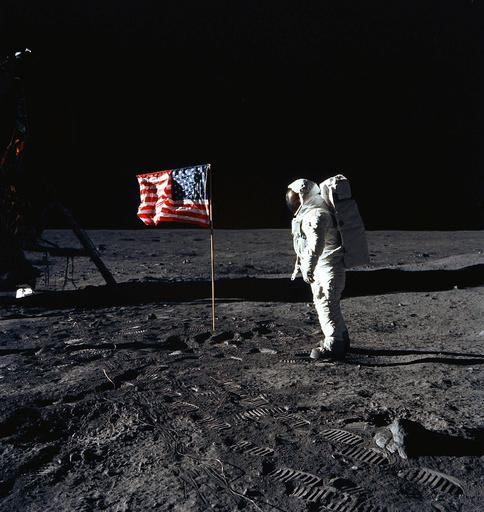 月面の人類の「遺産」、観光客や企業から保護するルールづくり必要?