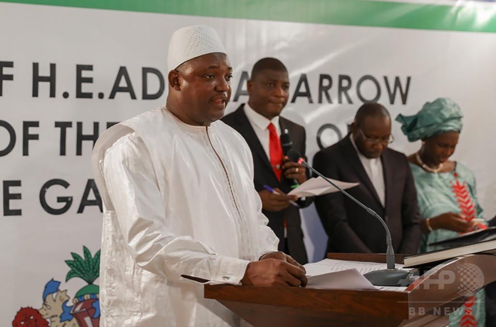 ガンビア危機、近隣諸国が一時派兵 新大統領はセネガルで就任式