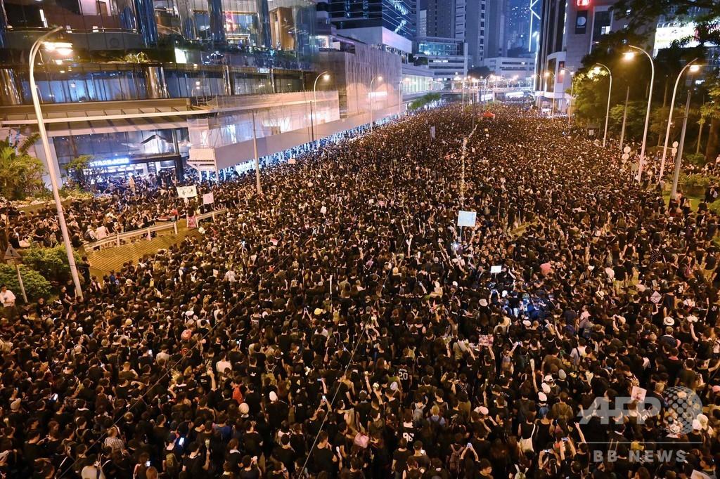 史上最大200万人デモ、条例改正撤回と長官辞任要求 幹線道路は交通再開 ...